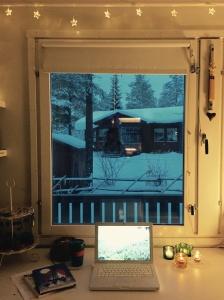Näkymä työhuoneen ikkunasta tänään klo 11.03.