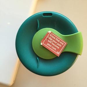 Yogi Tea -teepussiviisautta.