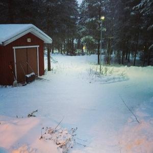 Se hetki, kun on juuri saanut tehtyä lumityöt ja lunta alkaa sataa uudelleen.