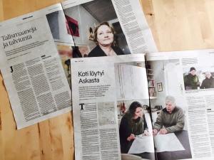 Henkilökuva taiteilija Helena Junttilasta ja pariskuntahaastattelu taiteilija Kaija Kiurusta ja tutkija Timo Helteestä Lapin Kansassa.
